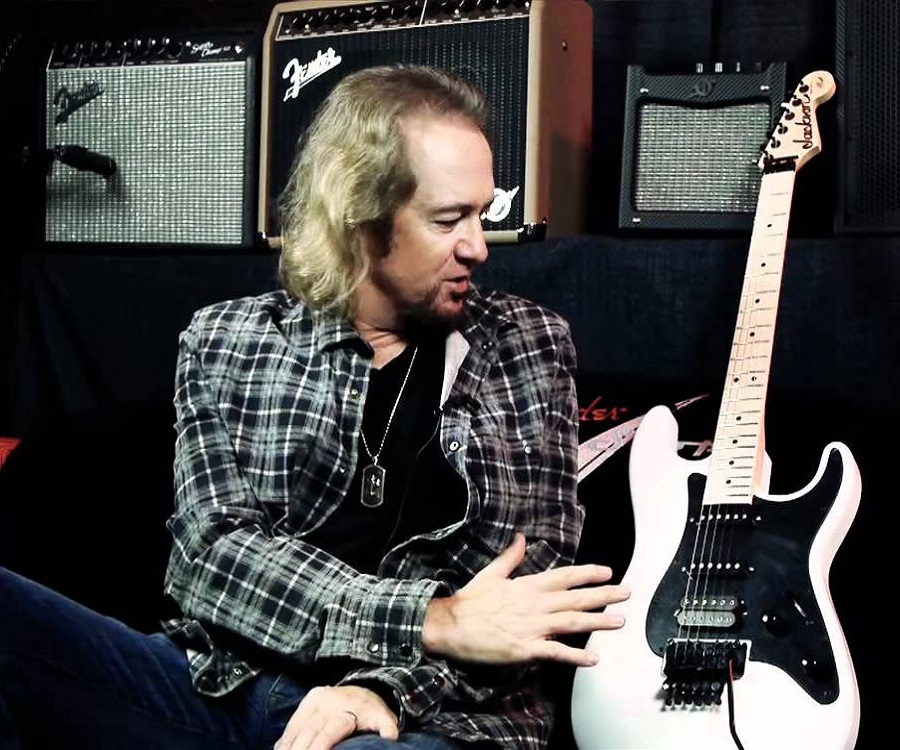 Adrian Smith Net Worth