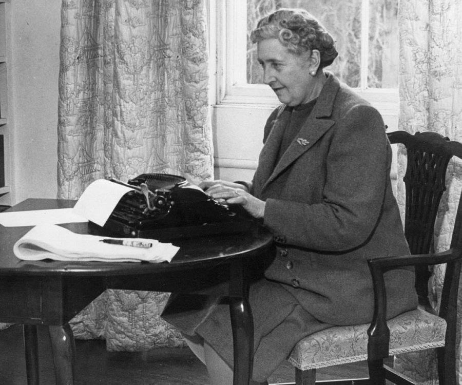 agatha christie outline A long-lost essay by agatha christie that was commissioned by the government in 1945 to sing the praises of british crime fiction has finally seen the light of day christie's essay, in which she.