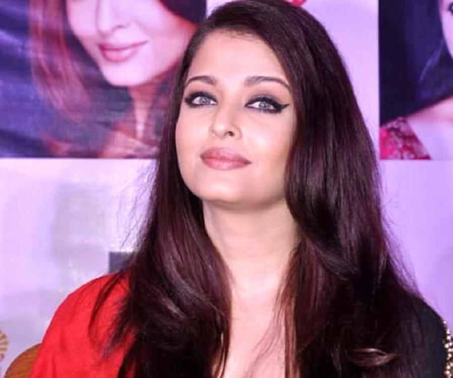 Aishwarya rai abhishek age difference in dating 6
