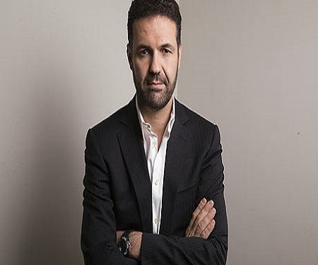 khaled hosseini biography childhood life achievements timeline khaled hosseini khaled hosseini