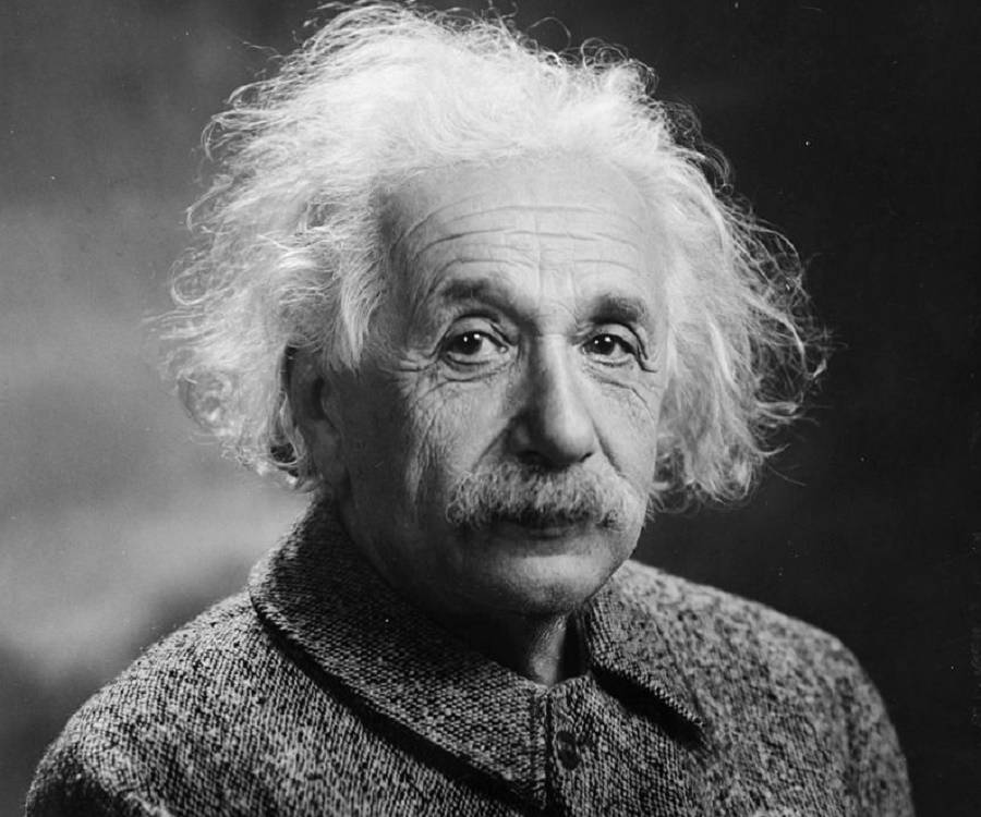 albert einstein biography childhood life achievements timeline albert einstein albert einstein