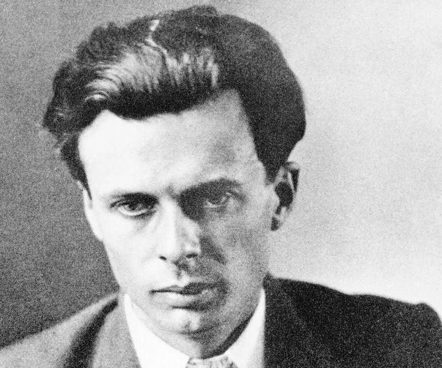 Aldous Huxley Biography Childhood Life Achievements