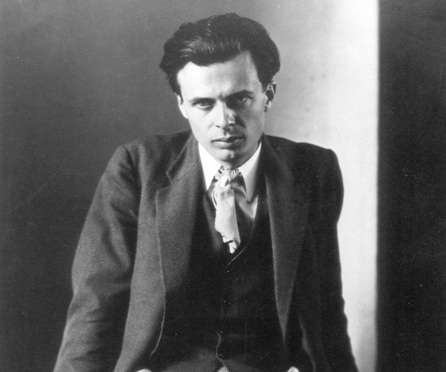 a biography of aldous huxley Aldous huxley's wiki: aldous leonard huxley (/ ld s h ksli/ 26 july 1894 - 22 november 1963) was an english writer, novelist, philosopher,[4] and prominent member of the huxley family he graduated from balliol college at the university of oxford with a first-class honours.