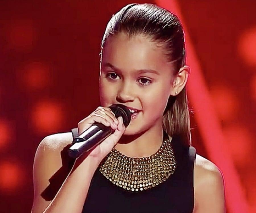 Alexa Curtis - Bio, Facts, Family Life of Australian Singer
