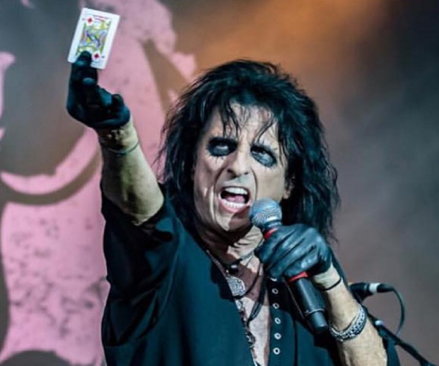 alice cooper vincent damon furnier biography facts childhood family life achievements of. Black Bedroom Furniture Sets. Home Design Ideas