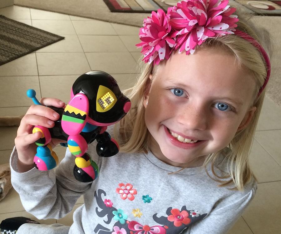 Alyssa FamilyFunPack Bio Facts Family Life Of Internet Star