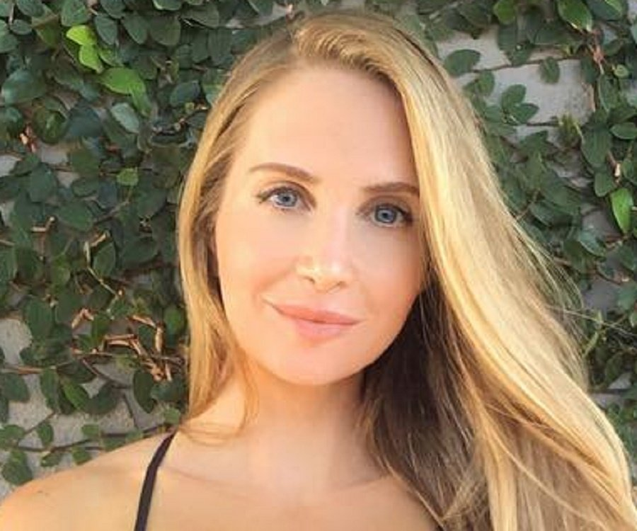 Amanda Lee Escort