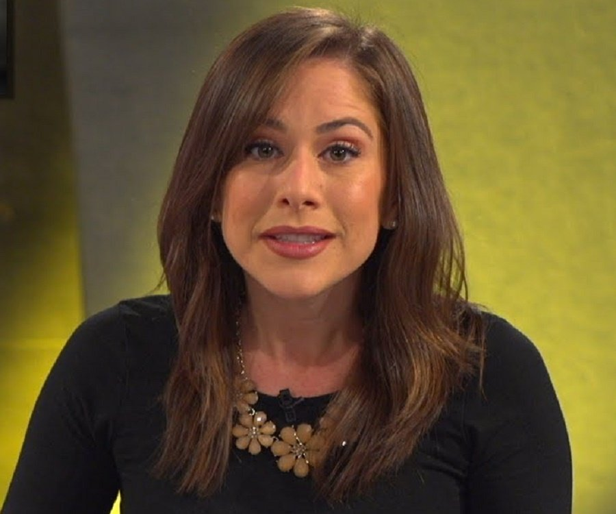lopez christian personals Christian/gospel international news  in a new video for tinder's swipe sessions, lopez sits down with brooke to help her find her match on the dating app lopez.