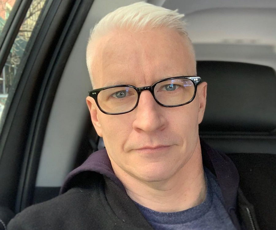 anderson cooper coming out essay Cnn anchor anderson cooper's how anderson cooper's coming out typifies progress for gay rights by cooper's coming out is important.