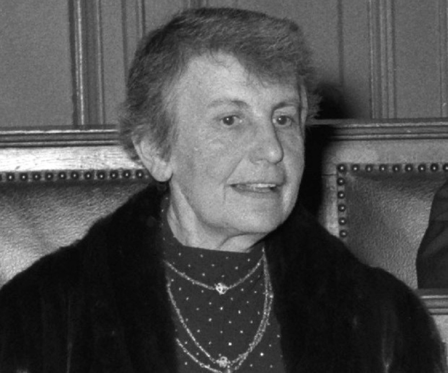 a biography of anna freud the daughter of sigmund freud and the founder of child psychoanalysis Sigmund freud biography  sigmund freud biography  the work of sigmund freud, the austrian founder of psychoanalysis,  a daughter, anna, .