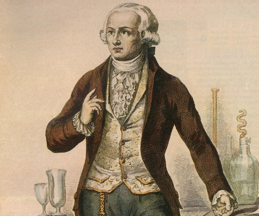 a biography of antoine lavoisier a french scientist Lavoisier, antoine (1743–1794), french scientist, commonly considered the founder of modern chemistry antoine laurent lavoisier was born in paris, france on 26 august 1743 a child of privilege (his father was a wealthy lawyer and his mother was the daughter of a well-to-do attorney), antoine was educated, from the age of eleven, at the .
