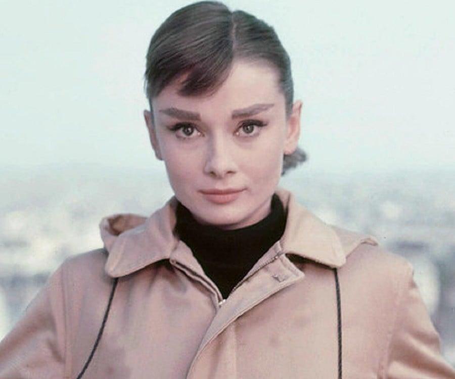Audrey Hepburn Biography - Childhood, Life Achievements ...