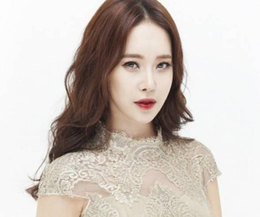 Korean singer baek ji young