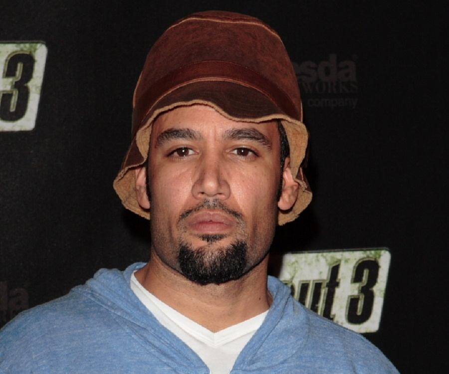 a biography of ben harper an american pop reggae singer and songwriter Benjamin chase ben harper (born october 28, 1969) is an american singer-songwriter and musician harper plays an eclectic mix of blues, folk, reggae and rock music.