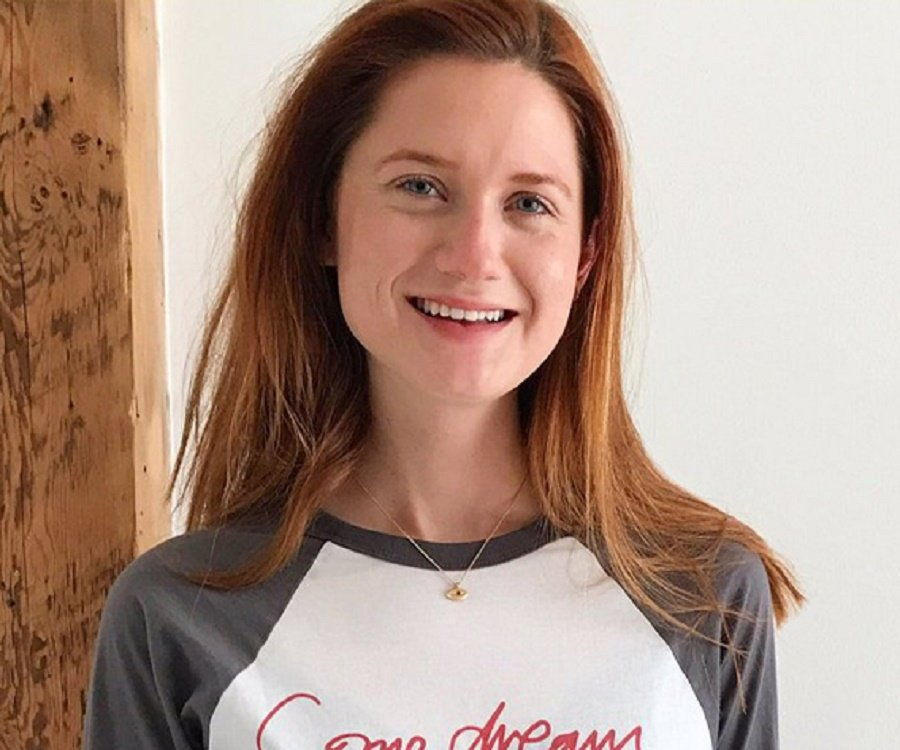 Bonnie Wright Nude Photos 38