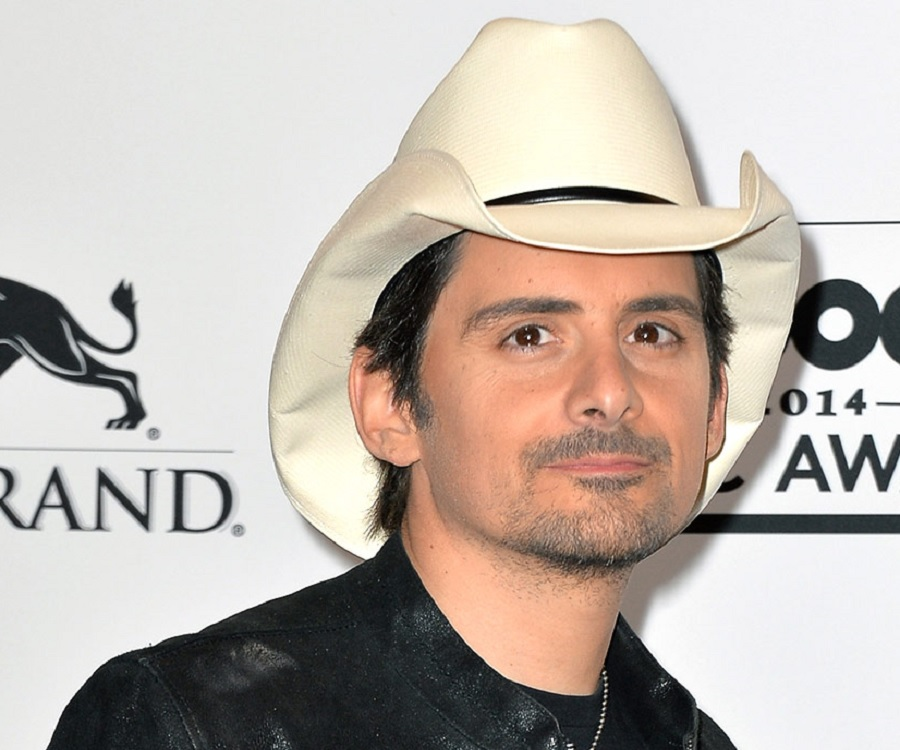 Brad Douglas Paisley net worth salary