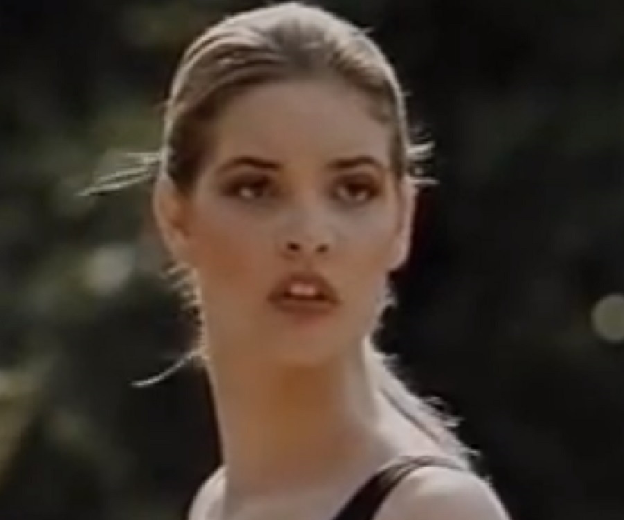 Bridgette wilson mortal kombat - 3 part 6
