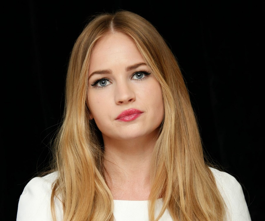 Britt Robertson Biography Facts Childhood Family Life