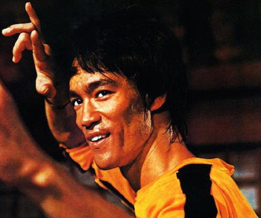 Bruce Lee Biography - Childhood, Life Achievements & Timeline