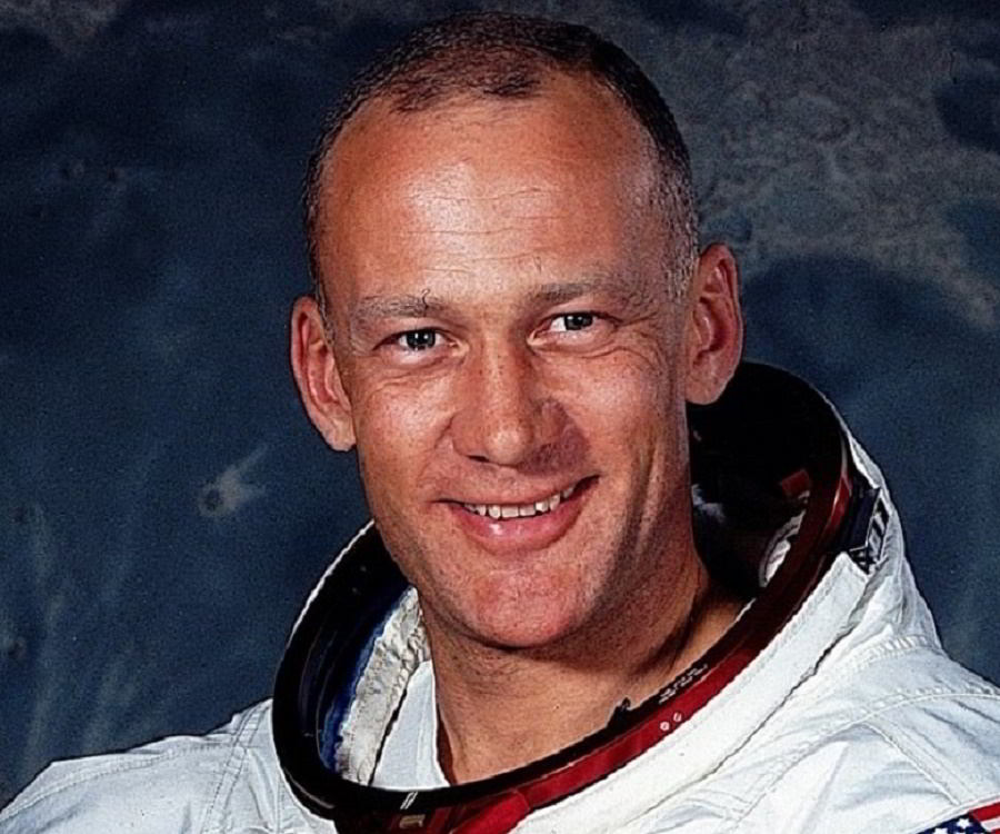 neil armstrong net worth - photo #23