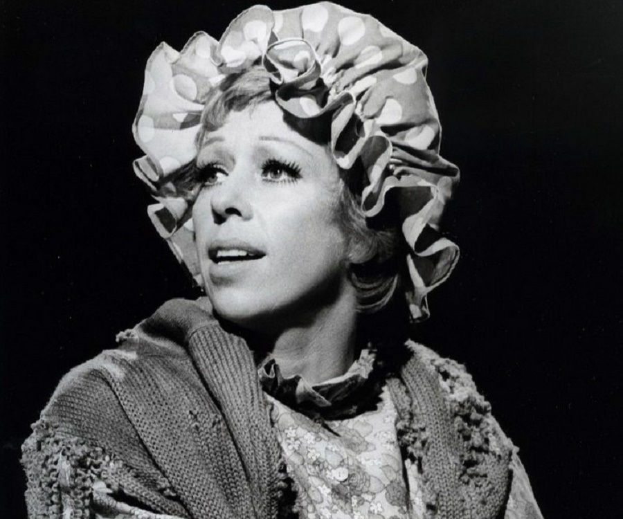 Bio Carol Burnett >> Carol Burnett Biography - Childhood, Life Achievements & Timeline