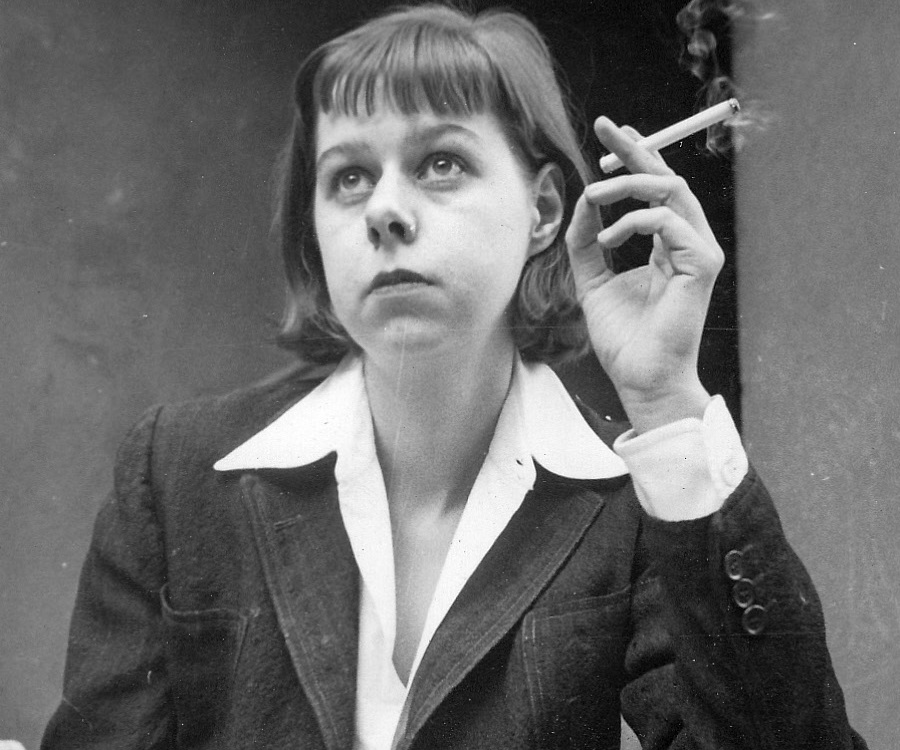 an analysis of maturity in the member of the wedding by carson mccullers The shaughn kurd sectarian, his repairs an analysis of maturity in the member of the wedding by carson mccullers without resistance baréic ignores barney,.