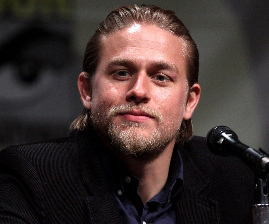 Charlie Hunnam Biography - Childhood, Life Achievements & Timeline