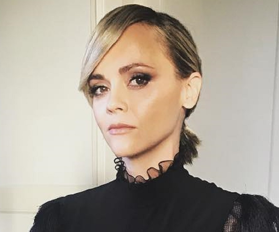 Christina Ricci Biography - Childhood, Life Achievements & Timeline Christina Ricci