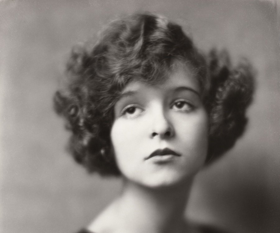 Pictures of Clara Bow