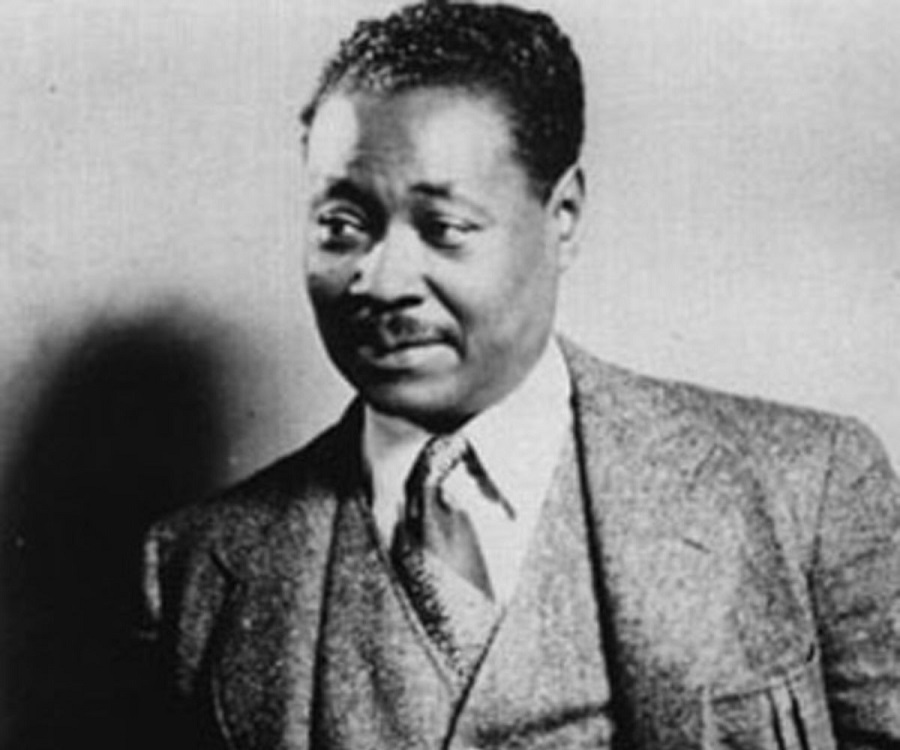a biography of claude mckay a writer