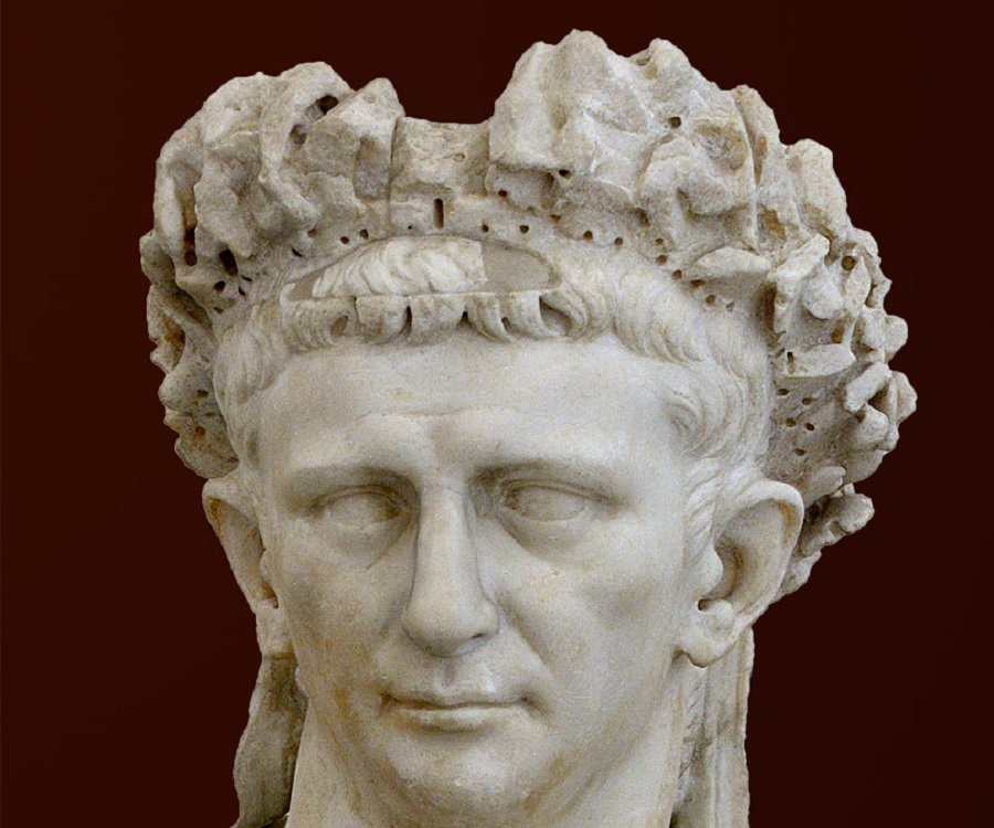 a biography and legend of julius caesar a roman emperor Julius caesar was born in subura, rome in the year 100 bc he was born to an aristocratic family that could trace their bloodlines back to the founding of rome his parents were well-off, but they weren't rich by roman standards.