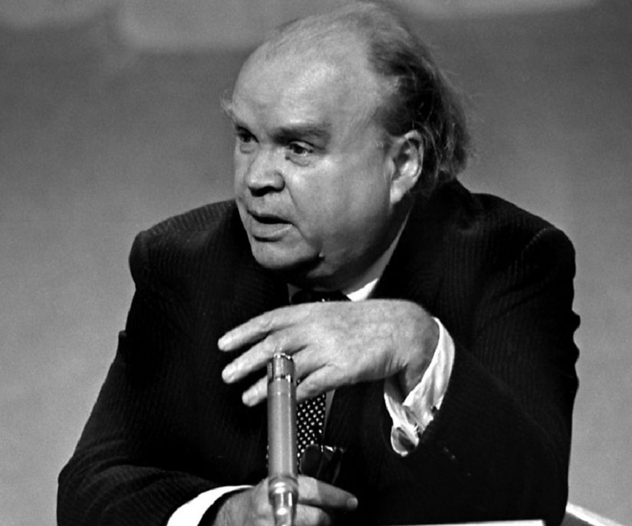 Cyril Connolly Cyril Connolly Biography Childhood Life Achievements