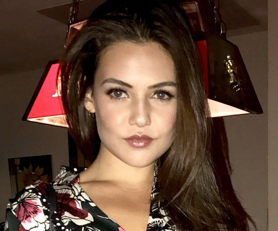 danielle campbell bio facts family life of actress. Black Bedroom Furniture Sets. Home Design Ideas