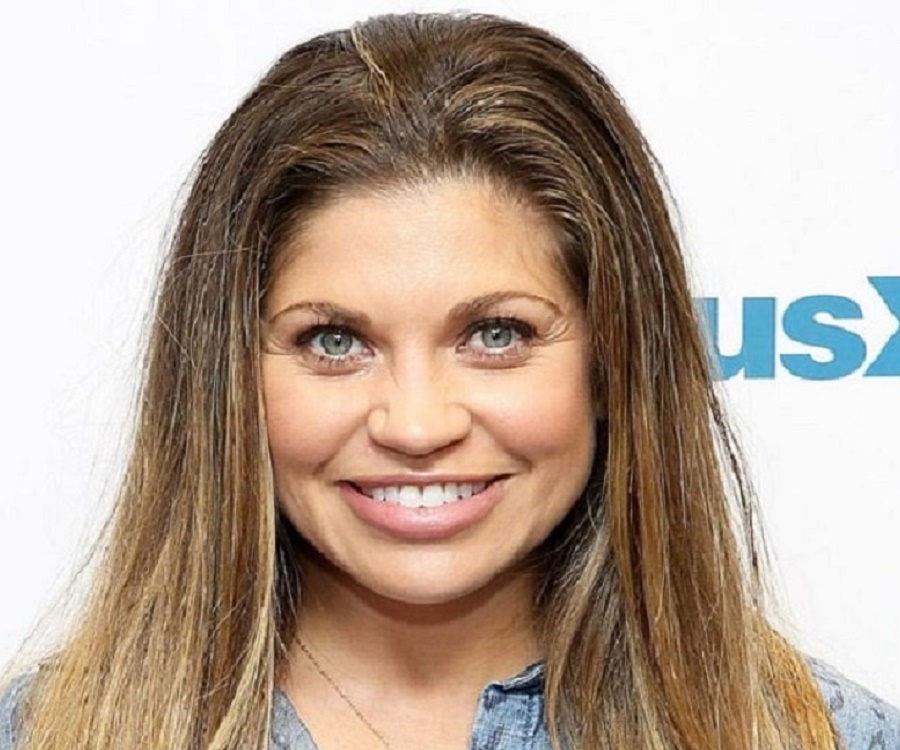 Danielle Fishel 32997 in addition Sad Poems moreover Pete Edochie And Rita Edochie Are They Husband And Wife additionally 362439046220012362 furthermore Sir Thomas Sean Connery 2823. on siblings day
