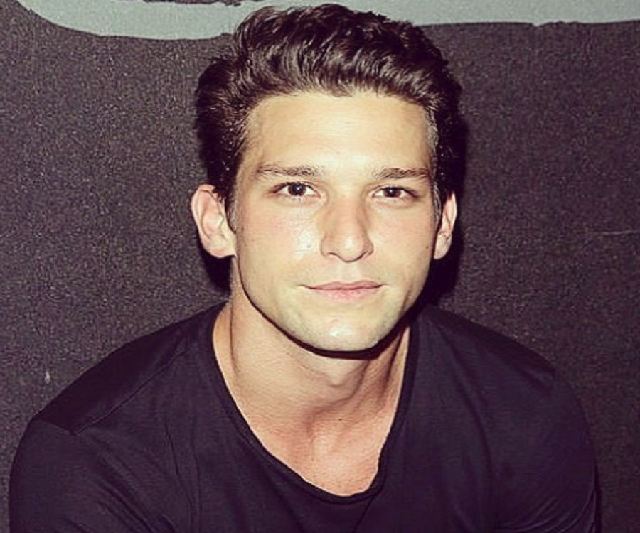 Daren Kagasoff Bio Facts Family Life Of Actor His birthday, what he did before fame, his family life, fun trivia facts, popularity rankings, and more. daren kagasoff bio facts family