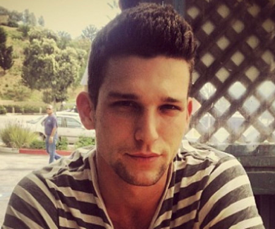Daren Kagasoff Bio Facts Family Life Of Actor Keep track of your favorite shows and movies, across all your devices. daren kagasoff bio facts family