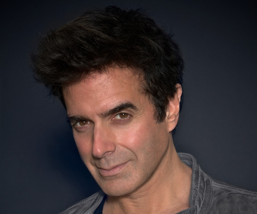 a biography and magic of david copperfield an american illusionist Biography download pdf david copperfield has been hailed by  the help of magic, david was already an  david copperfield, the greatest illusionist of.