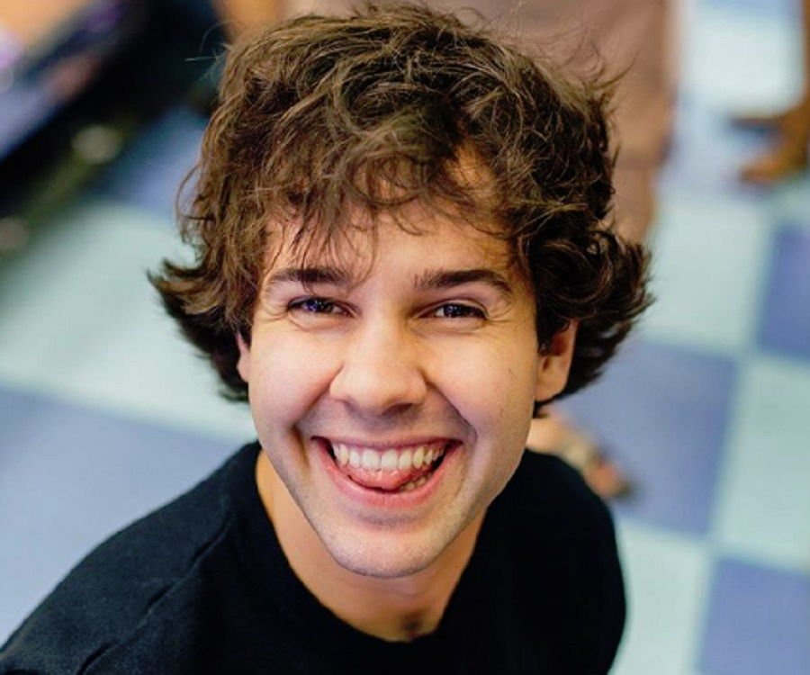 David Dobrik – Bio, Facts & Family Life of YouTuber & Vine Star