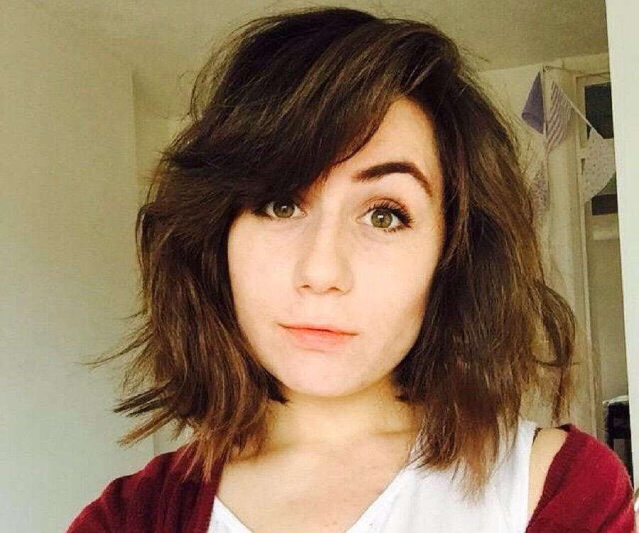 Dodie Clark | Wiki | LGBT+ Amino