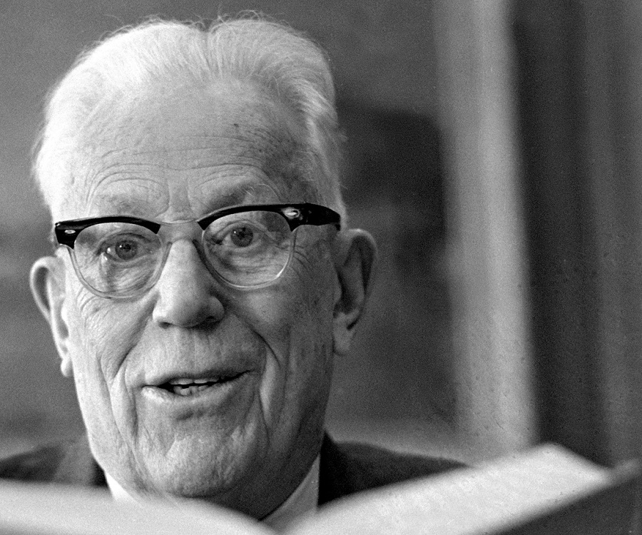 a biography of earl warren the 14th chief justice of the united states As 14th chief justice of the united states, earl warren presided over the supreme court from 1953-1969 his court was known for rulings backing civil rights the.
