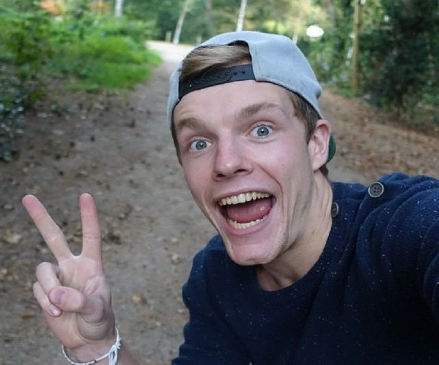 enzo knol bio, facts, family life of dutch youtuber  minecraft survival map enzoknol firefox.php #4