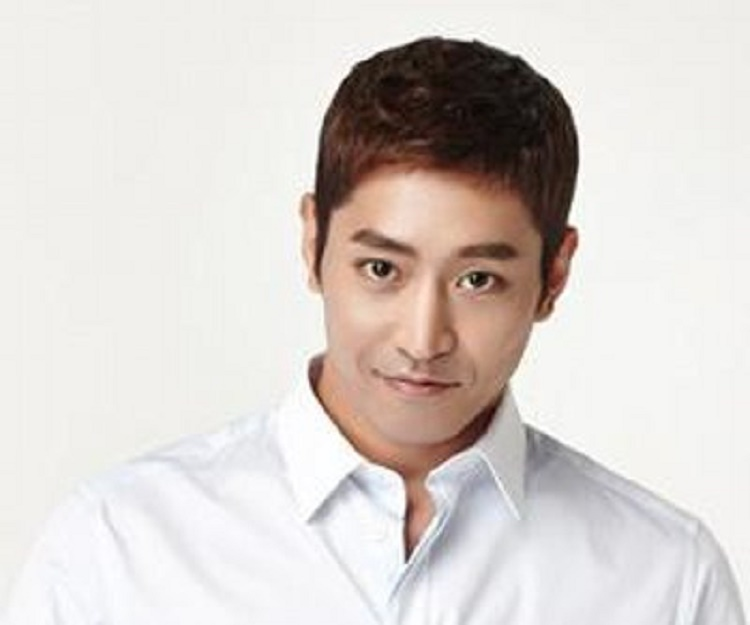 Eric Mun Biography - Facts, Childhood, Family ...Eric Mun Scandal