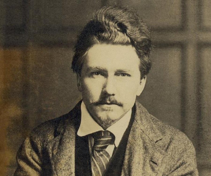 te life of ezra pound The bughouse the poetry, politics and madness of ezra pound by daniel swift 302 pp farrar, straus & giroux $27 perhaps no other poet in the 20th century presents more forcefully than does ezra .
