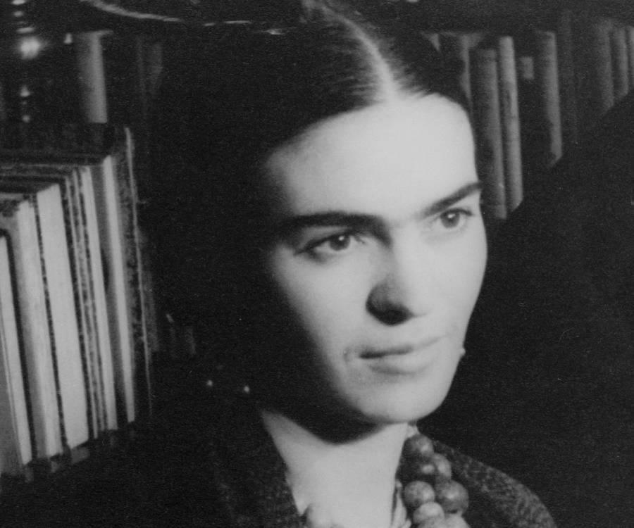 Frida Kahlo Biography - Childhood, Life Achievements & Timeline