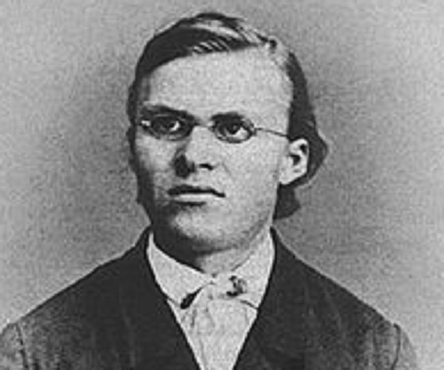 Biography of friedrich nietzsche