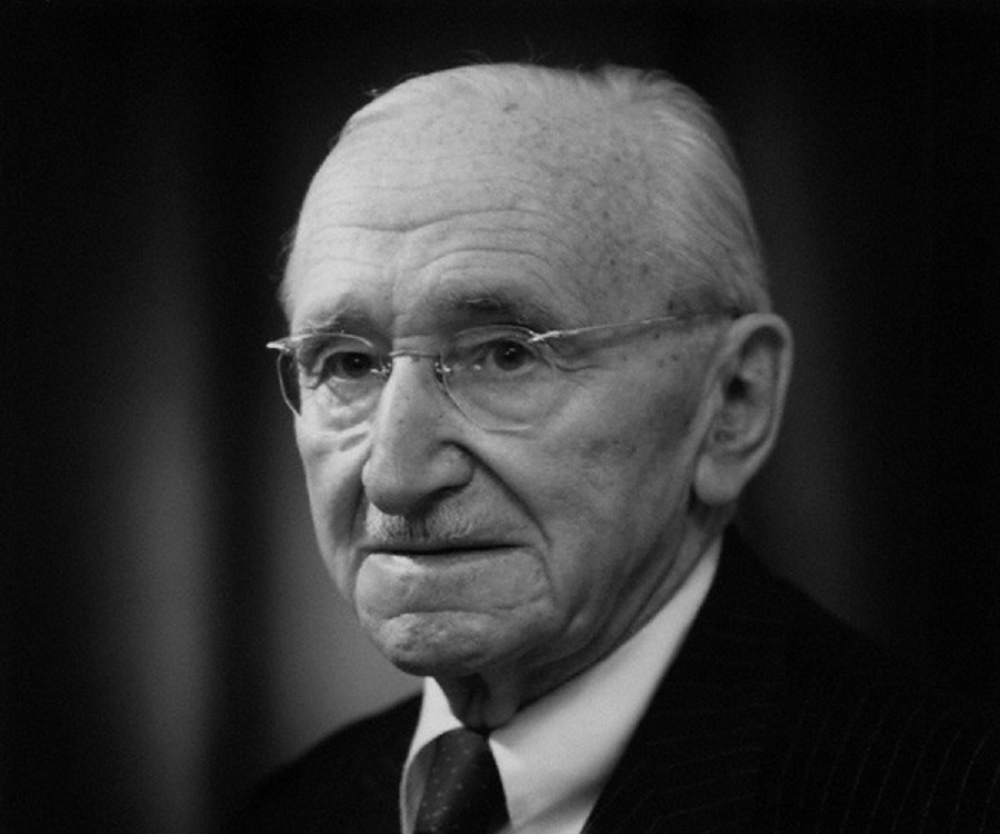 FRIEDRICH HAYEK BIOGRAPHY PDF