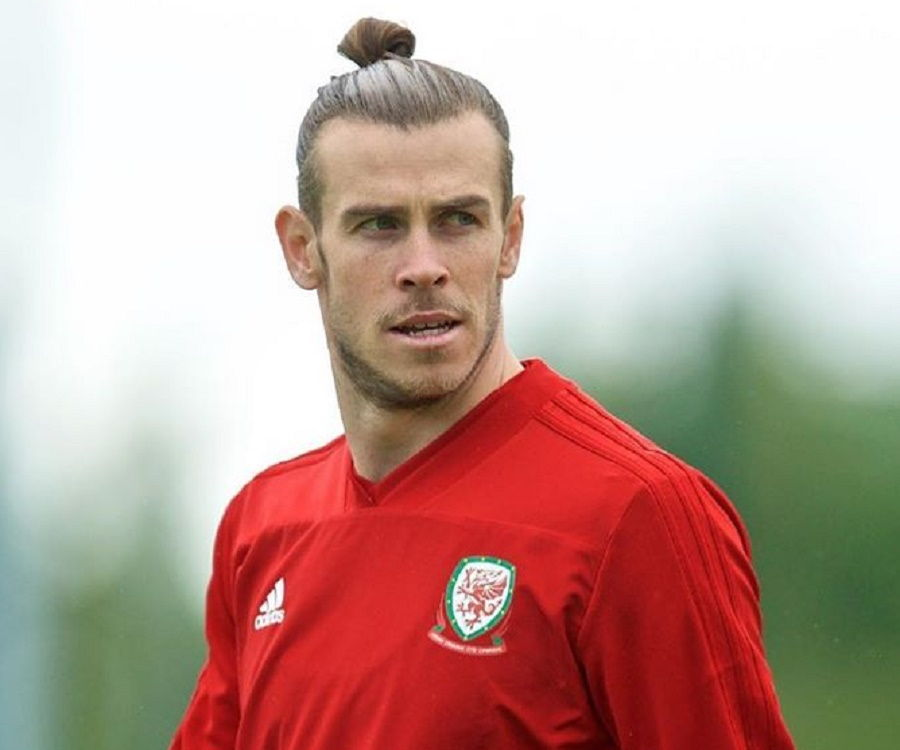 free shipping 98ea3 ce9a2 Gareth Bale Biography - Facts, Childhood, Family ...