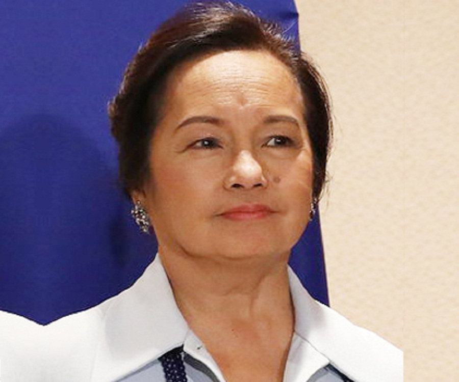 'Wala na bang iba?' Poe dismayed at Arroyo's House coup