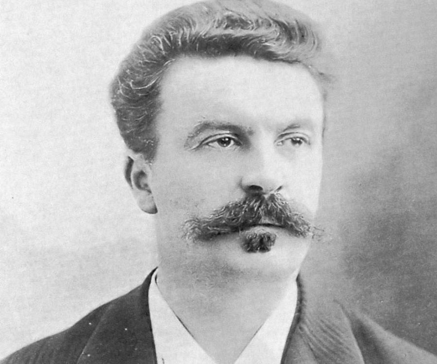 "by de essay guy maupassant necklace Essays on maupassant we have found maupassant submitted the necklace by guy de maupassant the short story written by guy de maupassant entitled ""the necklace."