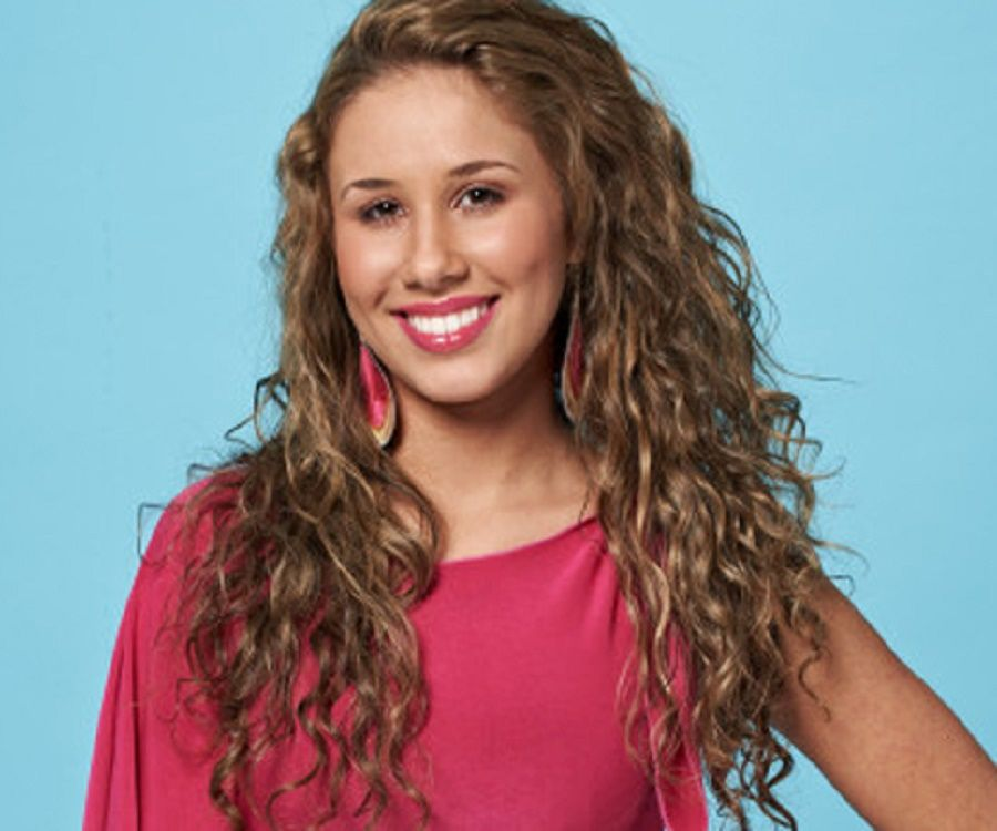 Haley Reinhart Biography - Facts, Childhood, Family Life